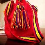 Qırmızı toxuma çanta