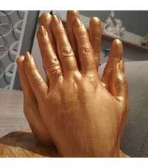 3D sevgi heykəli qızılı