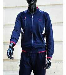 Nike idman geyimi