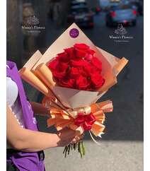 Winnie's Flowers dən qırmızı qızılgüllər