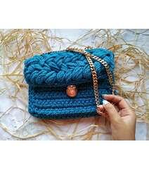 Mavi rəng çanta