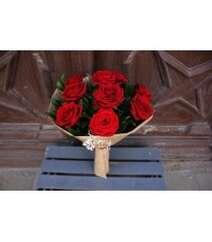 9 Red Naomi bouquet
